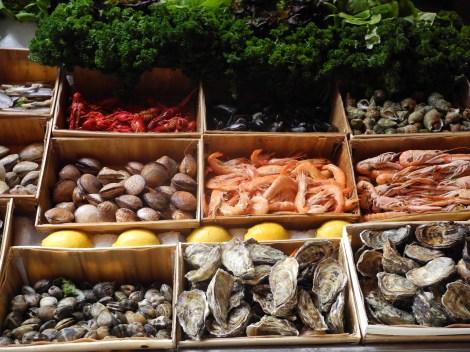 Rue des Bouchers Brüssel: Meeresfrüchte für jeden Geschmack. (c) Andres Frosch