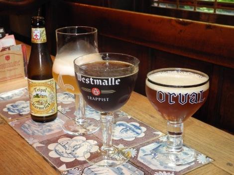 Belgische Trappistenbiere: von Mönchen gebraut und köstlich. Doch aufgepasst: sie enthalten oft viel Alkohol.... (c) Andres Frosch