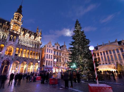 Brüssel: Vorweihnachts-Stimmung auf der Grande Place. (c) Visit Flanders.