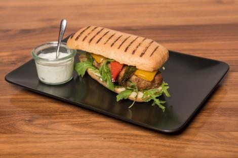 Rinds-Burger im Panini Roll - Rezept von Meta Hiltebrand